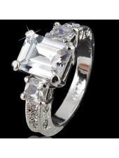 Кольцо с прямоугольным Crystal Swarovski
