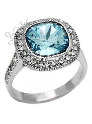 Кольцо с голубым фианитом