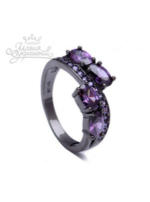 Кольцо с фиолетовыми фианитами