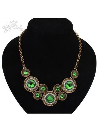 Колье с зелеными кристаллами
