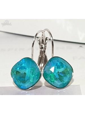 Серьги Ромбы с кристаллами Swarovski цвета Лагуны